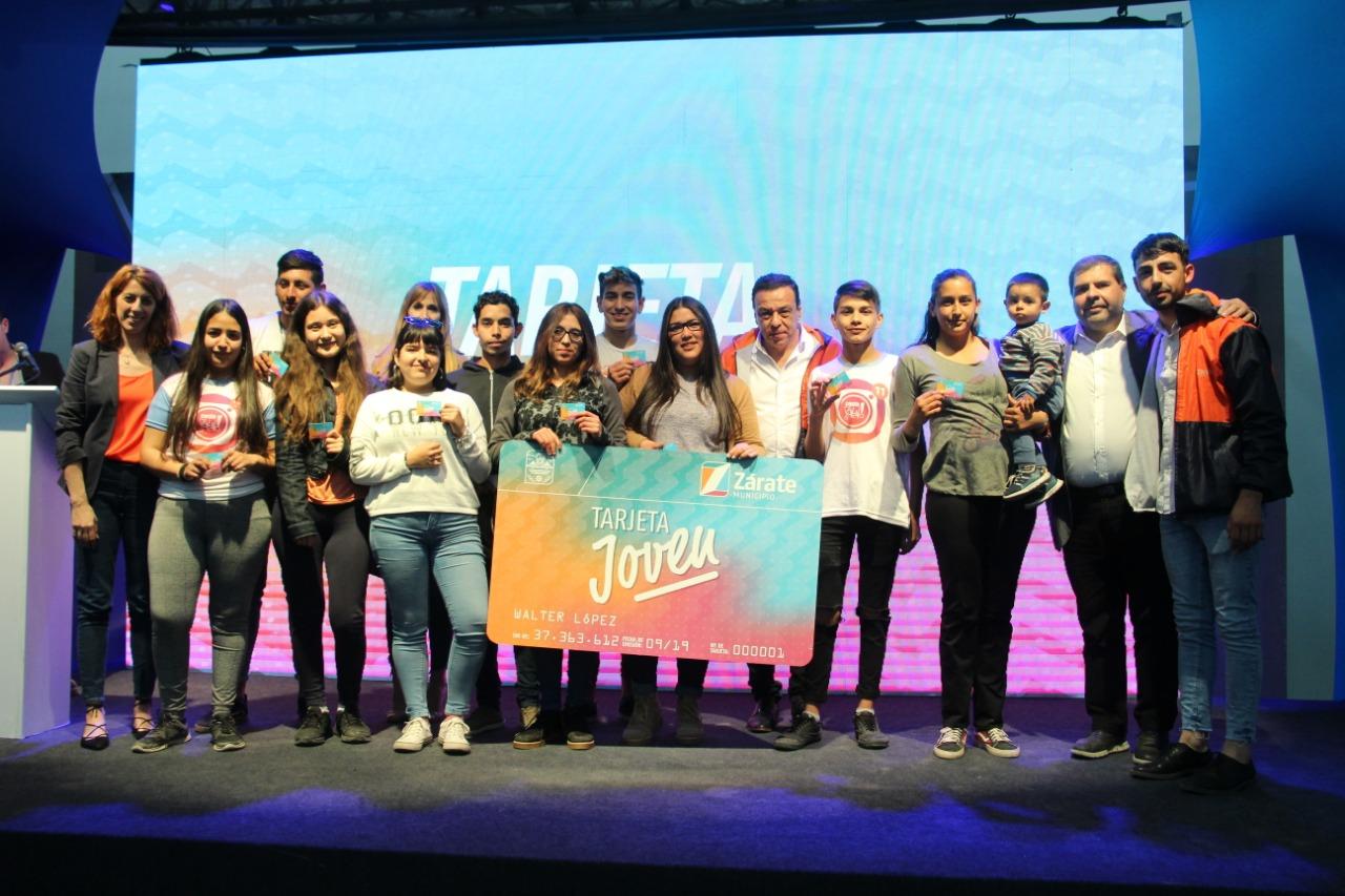 """En la Expo Conocimiento, el Municipio presentó el programa """"Tarjeta Joven"""""""