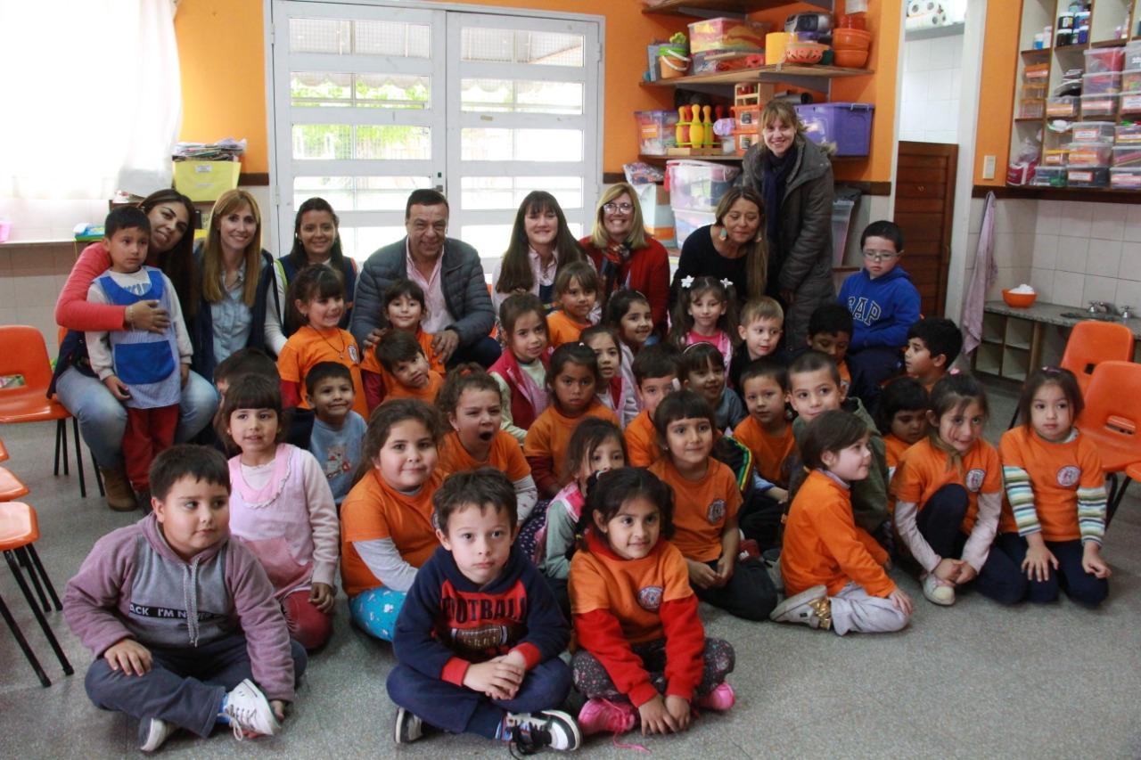 Cáffaro visitó dos instituciones educativas en el marco del Programa Mejor Escuela