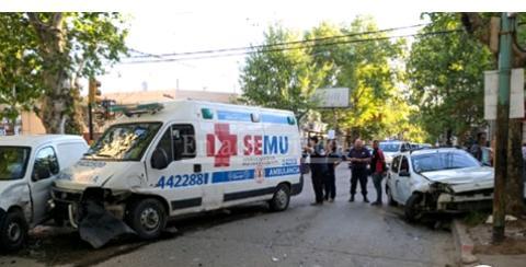 El  Municipio reparó ambulancia del SEMU que había sido chocada y la entregó a Bomberos de Zárate