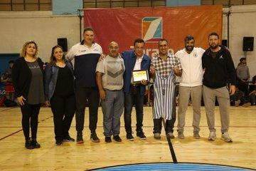El Club Belgrano inauguró el parquet del gimnasio