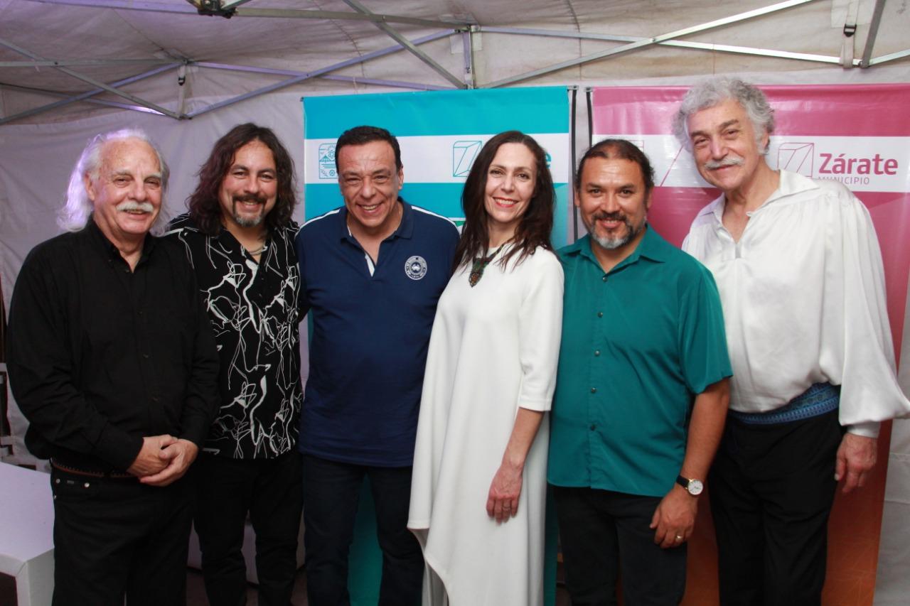 """Con gran cantidad de público se dio inicio al Festival por la Democracia """"Latinoamérica en mi piel"""" en el Anfiteatro Homero Expósito"""