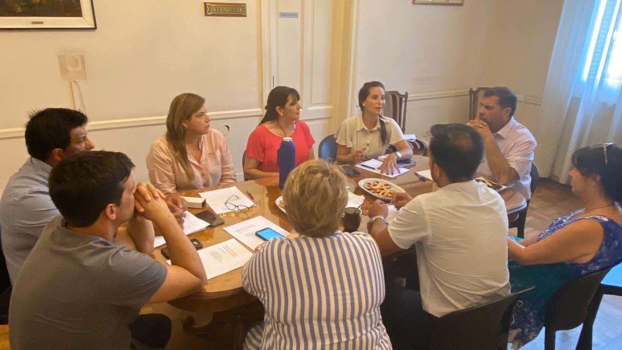 Seguridad: El Intendente Interino Ariel Ríos se reunió con referentes del arco político.