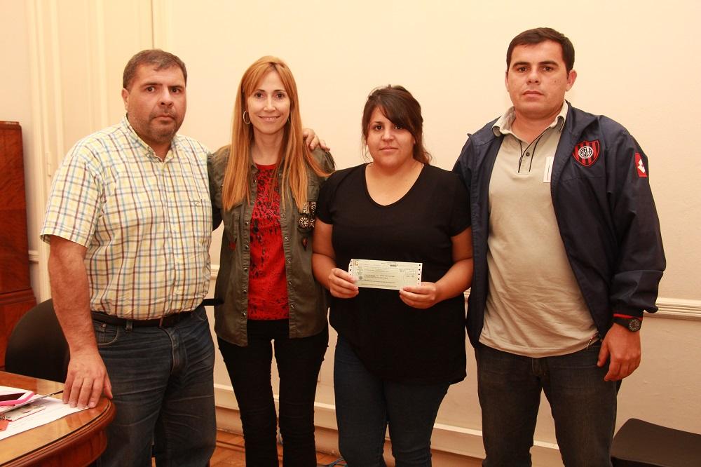 Municipio entregóun subsidio a la Asociación Civil Amigos de Estrada