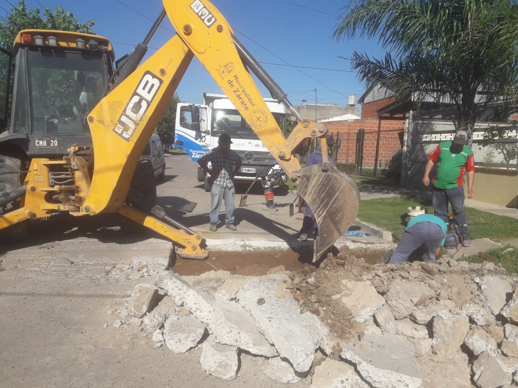 Servicios Públicos trabaja en diferentes barrios de la ciudad