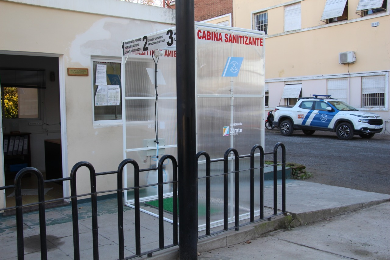 El Municipio colaboró con la Prefectura Naval y la Armada Argentina con la entrega de cabinas sanitizantes