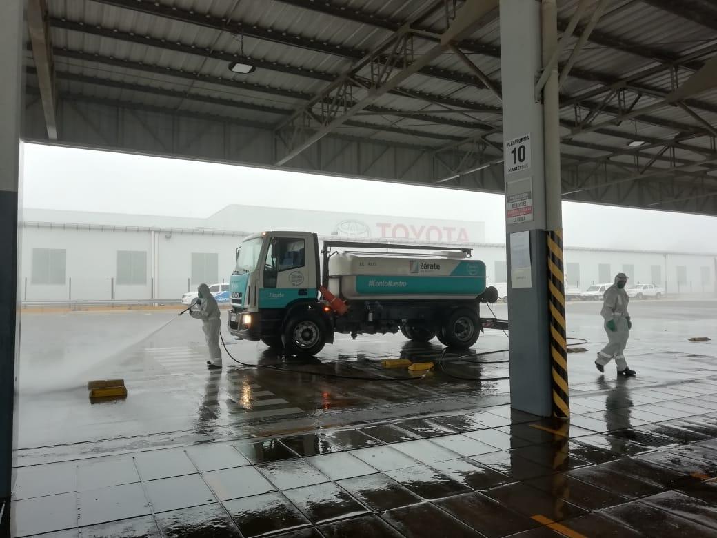 Operativo de desinfección en la planta Toyota Argentina