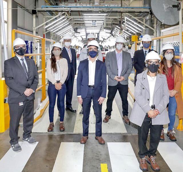 El municipio acompañó la visita del ministro de Transporte Mario Meoni en su visita a la Planta Toyota