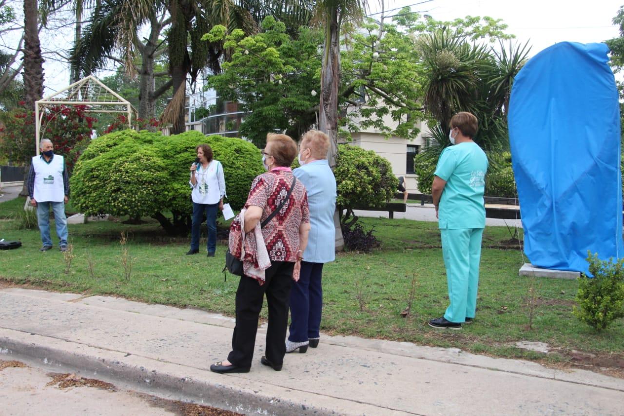 El Municipio acompañó a Renacer Oncológico en el descubrimiento del Símbolo de Concientización en el mes de la lucha contra el Cáncer de Mama