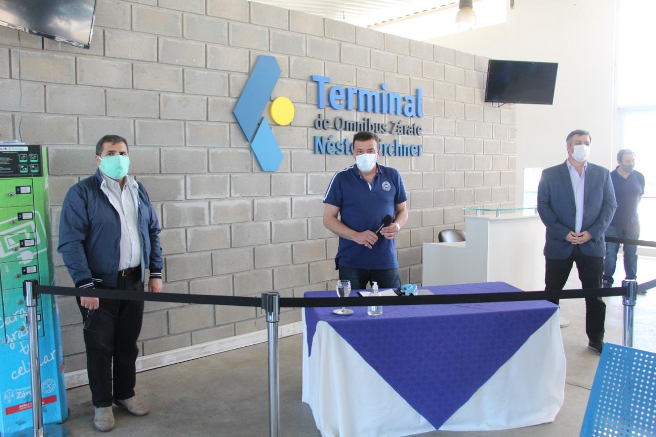 Cáffaro firmó el acta compromiso para la habilitación y puesta en marcha de la Terminal de Ómnibus Néstor Kirchner