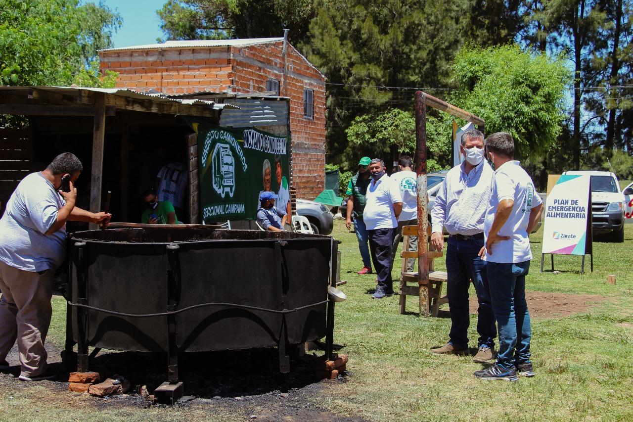 El Municipio presente con el Programa General Alimentario en barrio Los Pinos de Lima