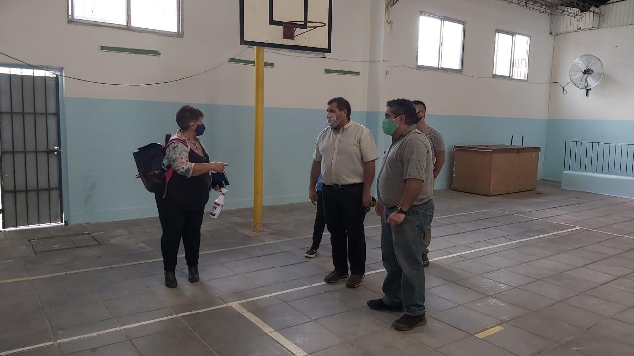 Municipio ultima detalles en la Escuela N° 9 de Lima, el primer Centro de Vacunación de nuestro distrito