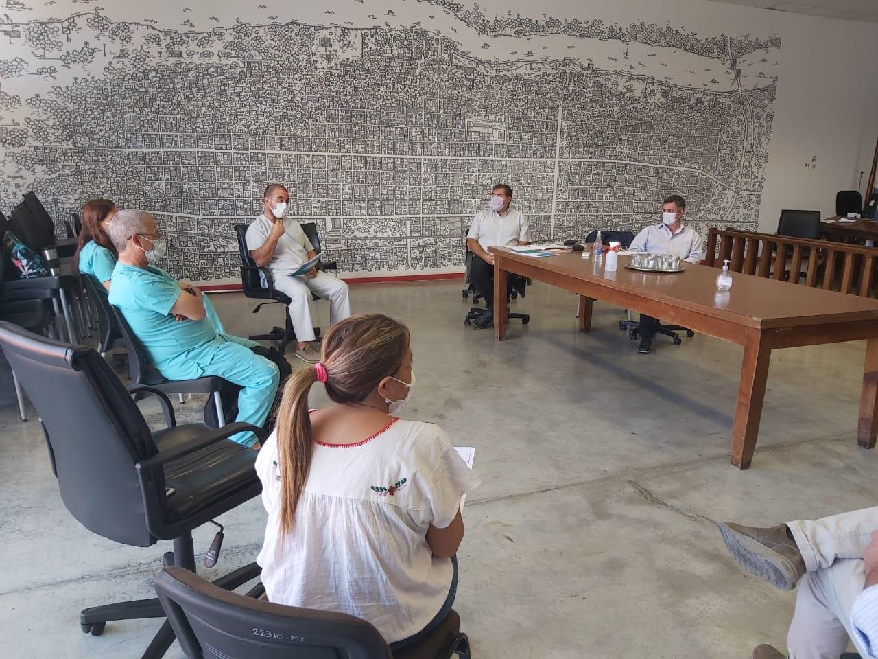 Reunión entre el Municipio y referentes de Educación para tratar el regreso presencial a clases y avances en la campaña de vacunación