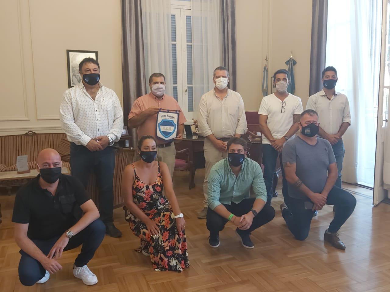 El municipio recibió al Senador Provincial, Adrián Santarelli, y a la Pta. del HCD de Lomas de Zamora y de la Unión Nacional de Clubes de Barrio Marina Lesci