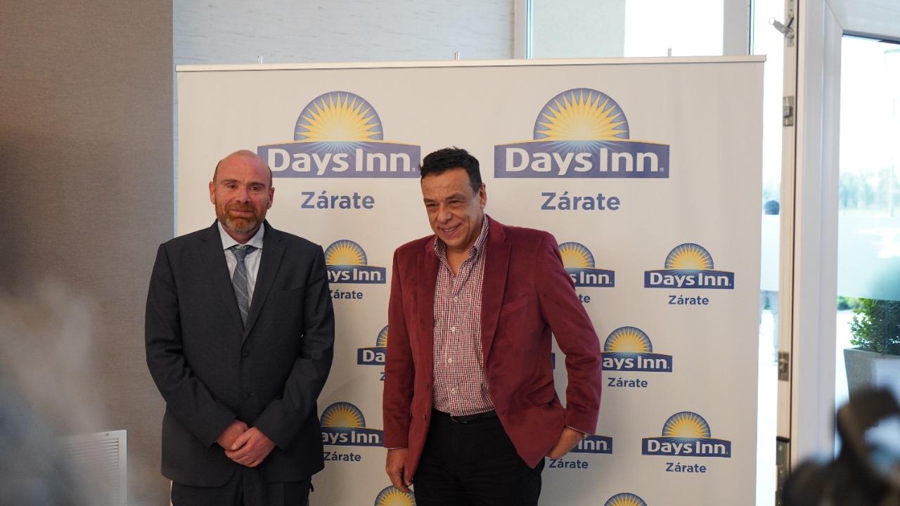 El intendente estuvo presente en la inauguración del Hotel Days Inn