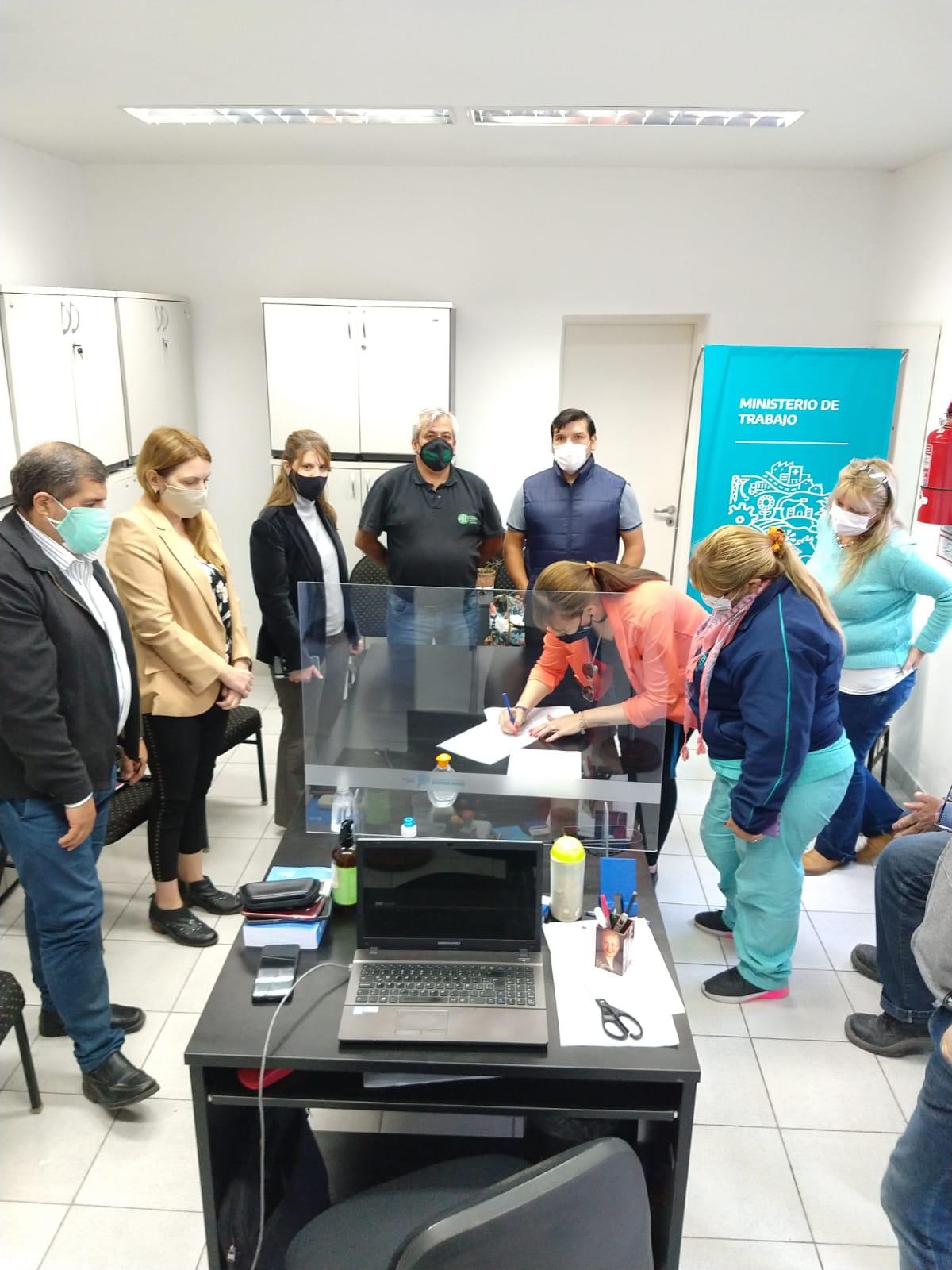 El Municipio acordó mejoras para el personal de salud